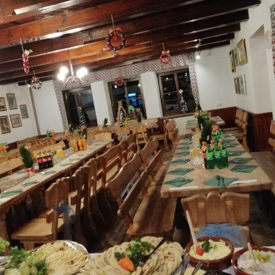 http://glodowka.com.pl/wp-content/uploads/2020/07/Glodowka_NB_Wesela_w_gorach_sluby_panorama_Tatr_Sala_taras_3-540x540.jpg