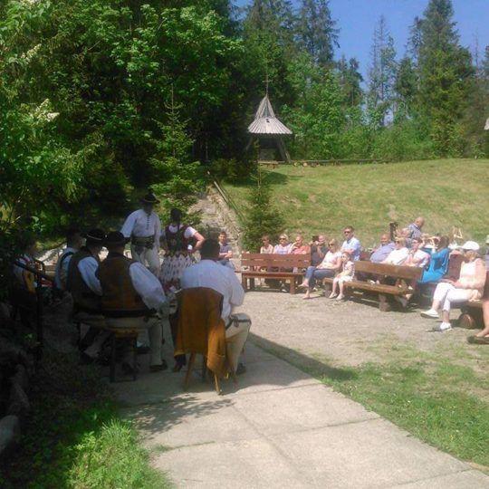 http://glodowka.com.pl/wp-content/uploads/2020/07/Glodowka_NB_Wesela_w_gorach_sluby_panorama_Tatr_kapela_goralska_2-540x540.jpg